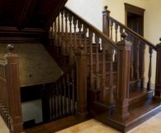 WOODRED, деревянные лестницы и предметы интерьера на заказ
