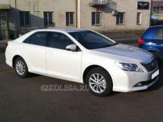Toyota Camry 2012 (белый)