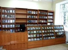 Книготорговое оборудование