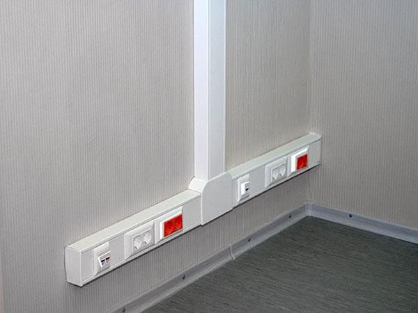 Монтаж кабельных сетей и установка на рабочих местах телефонных, компьютерных и силовых розеток