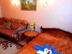 ПОЛУЛЮКС с двуспальной кроватью и раскладывающимся диваном