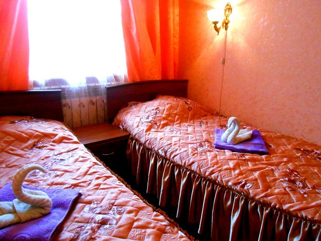ЭКОНОМ с двумя односпальными кроватями