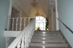 Лестница в помещении