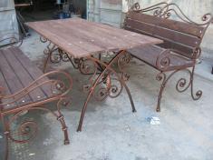 Садовая мебель с коваными элементами