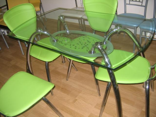 столы обеденные из стекла