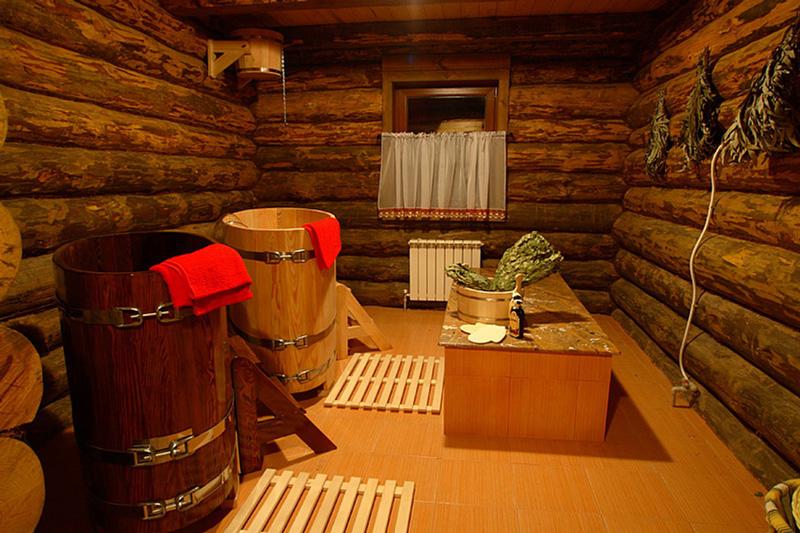 Вариант оформления моечного помещения рубленой бани