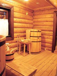 Вариант оформления моечной в рубленой бане