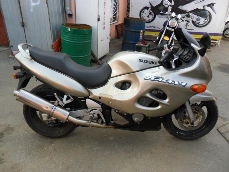 SUZUKI GSX-F750 KATANA
