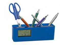 Подставка под ручки и канцелярские принадлежности. Часы с датой и календарем вынимаются из подставк