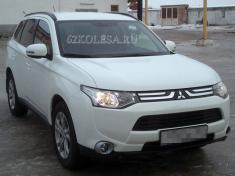 Mitsubishi Outlander 2013 (белый), 800 р.час, 2 шт.