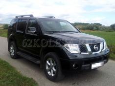 Nissan Pathfinder (черный),